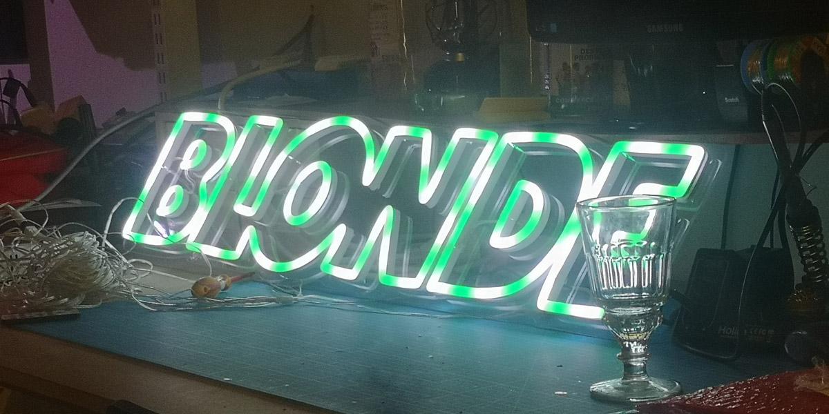 Neon LED RGB Sur Mesure BLONDE