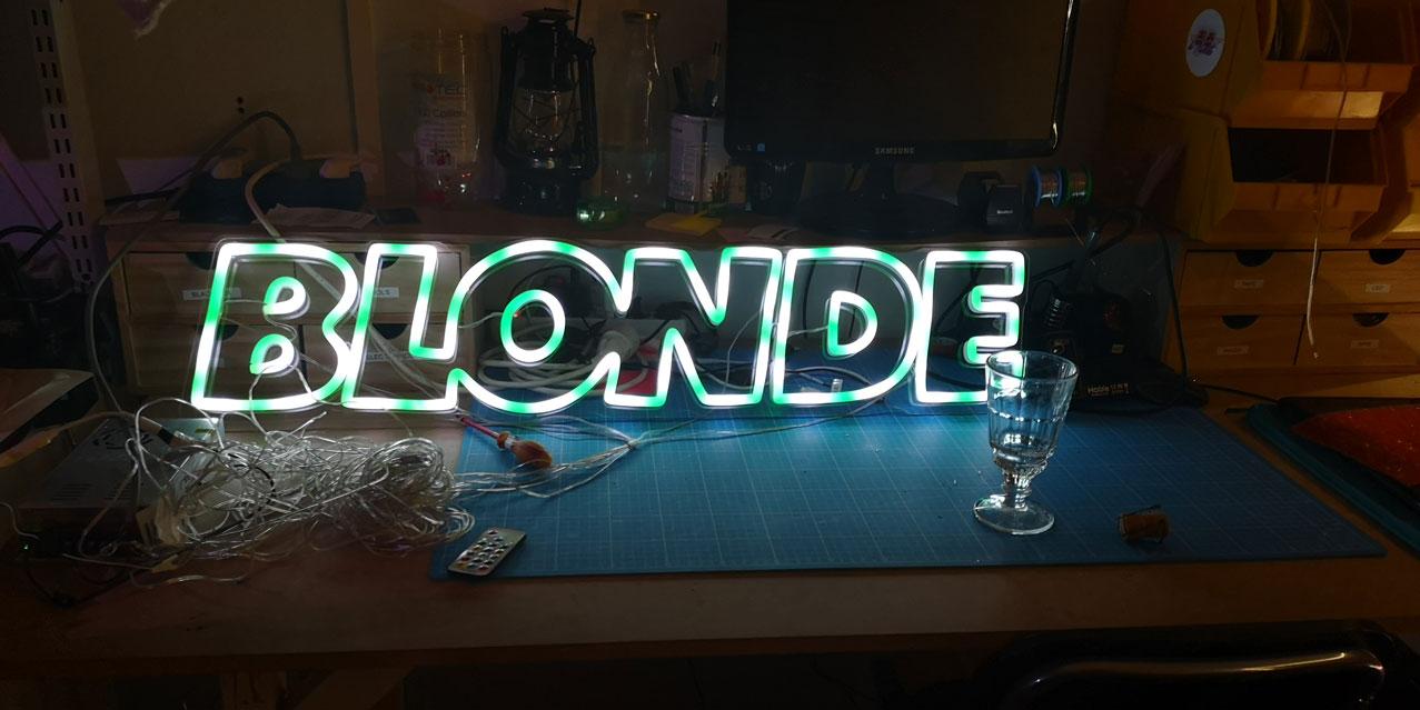 Neon LED RGB Sur Mesure BLONDE 7