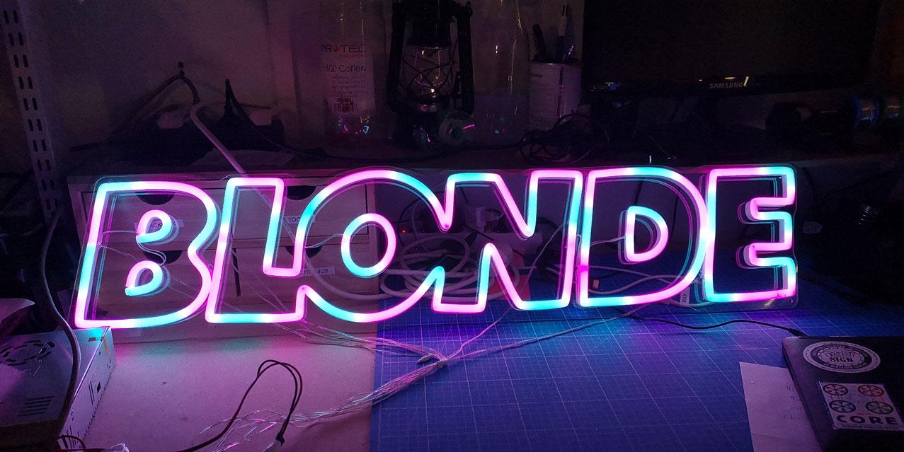 Neon LED RGB Sur Mesure BLONDE 2