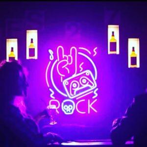 Enseigne LED Neon sur mesure ROCK en néon flex location Dream Neon Paris