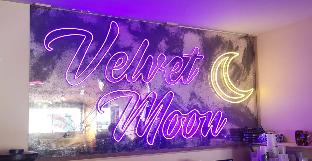 Velvet-Moon LED NEON sur mesure